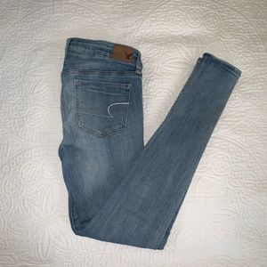American Eagle light denim jeggings